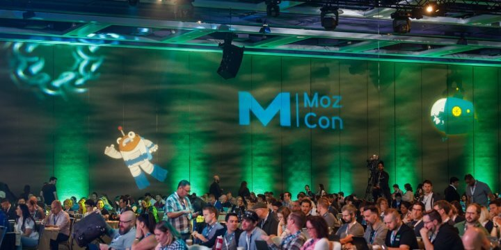 mozcon crowd at the 2019 conference in seattle